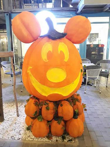 Thiết Kế Mô Hình Mút Xốp Halloween Ấn Tượng